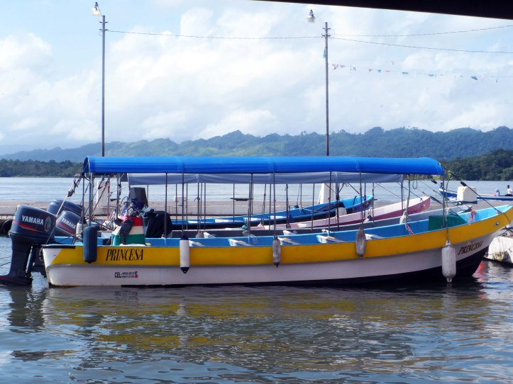 rio-dulce-livingston-barca-princesa