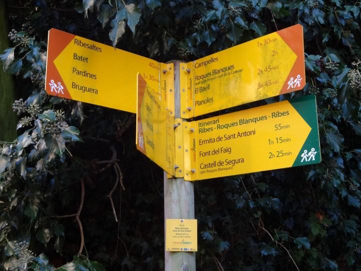 Cal anar seguint les marques i cartells grocs d'Itinerànnia
