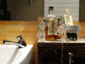 al mateix lavabo pots fer un xupito d'snaps