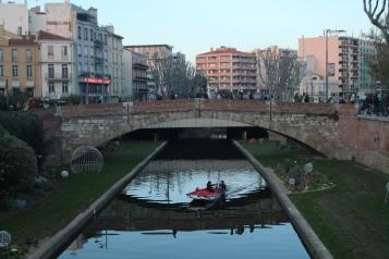 El pas del riu Tet per Perpinyà